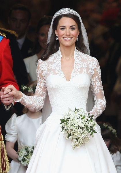 L'abito da sposa di Kate Middleton firmato da Sarah Burton è uno dei più desiderati e copiati