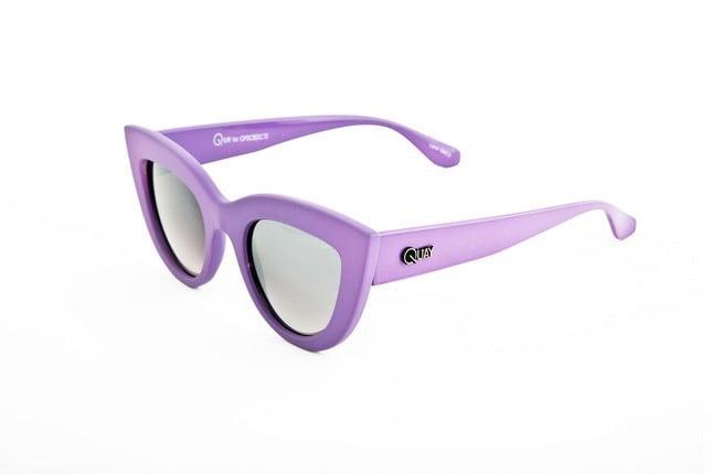 Occhiali da sole Ops Shades, modello Ops!Kitti dalla montatura a gatto nel colore viola.