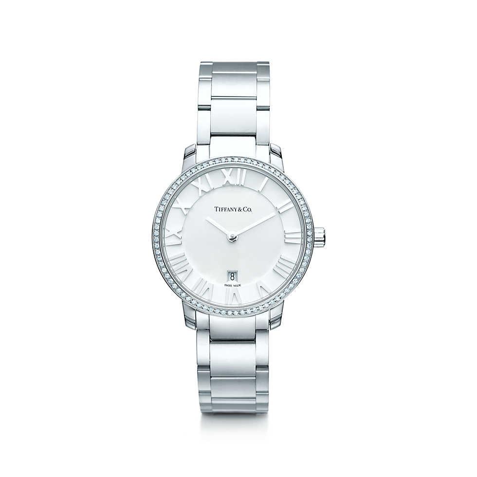 Orologio in acciaio inossidabile con 76 diamanti e quadrante argento. Cassa di 31 mm, movimento al quarzo, subacqueo fino a 50 metri (5 bar). Di fabbricazione svizzera, peso complessivo 0.17 ct.