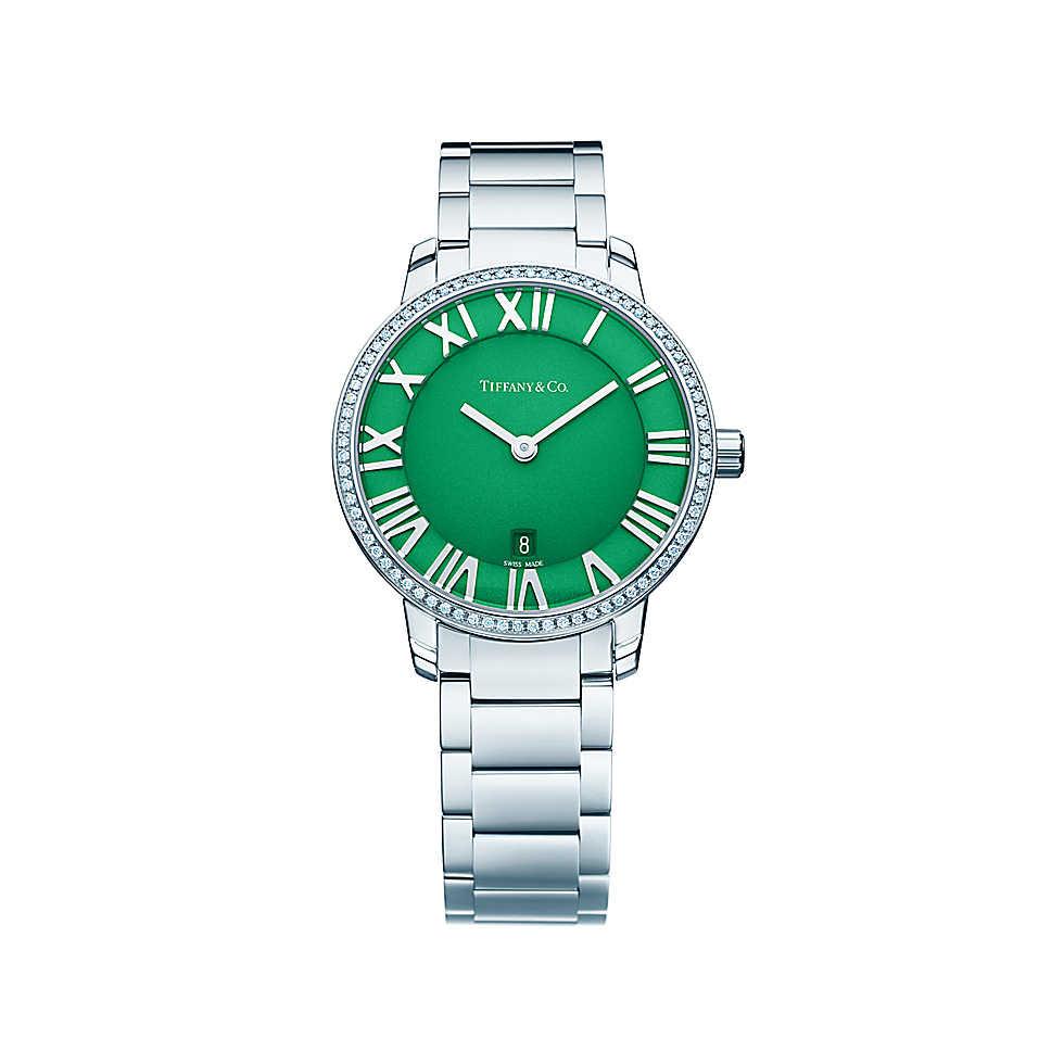 Orologio in acciaio inossidabile con 76 diamanti e quadrante verde. Cassa di 31 mm, movimento al quarzo, subacqueo fino a 50 metri (5 bar). Di fabbricazione svizzera, peso complessivo 0.17 ct.