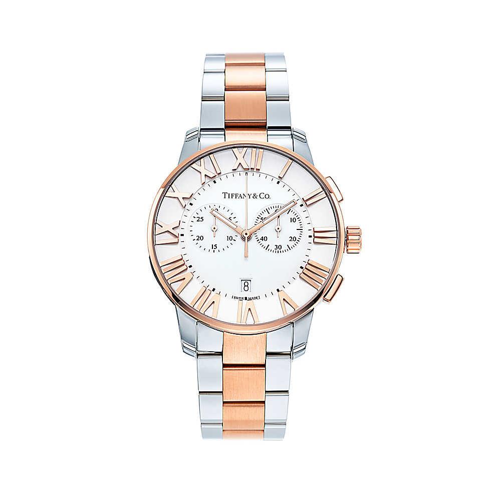 Orologio in oro rosa 18k e acciaio inossidabile con quadrante bianco. Cassa di 42 mm, funzione cronografo, movimento al quarzo, subacqueo fino a 50 metri (5 bar). Di fabbricazione svizzera.