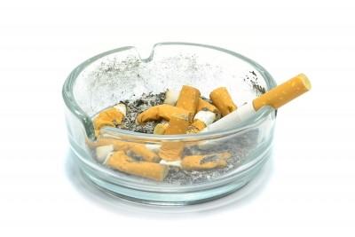 Come eliminare l odore di sigaretta in casa unadonna - Odore di fogna in casa ...