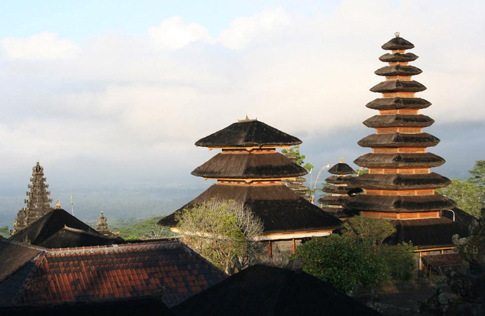 Il tempio di Pura Besakih al tramonto. Una meta imperdibile