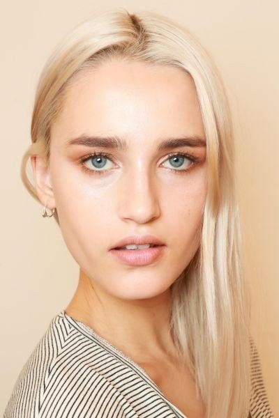 Il make up Revlon naturale e luminoso di una modella della sfilata Kocca PE 2015