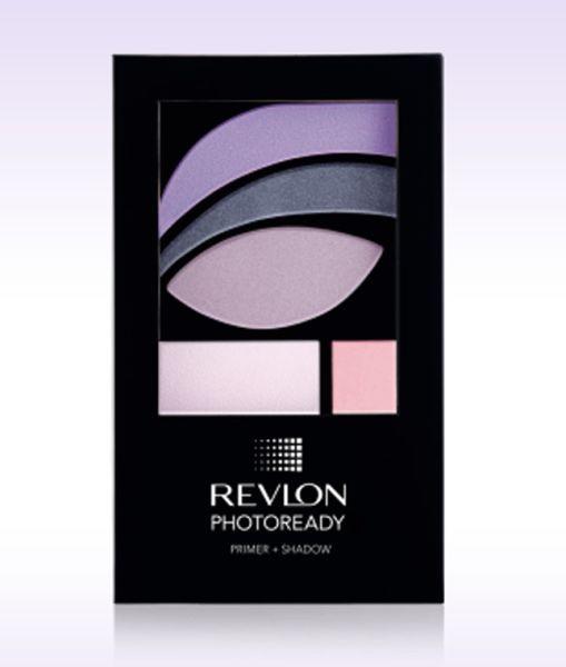 Caratterizzati da primer e illuminante incorporati, gli ombretti Revlon PhotoReady Primer + Shadow (13,90 euro) sono protagonisti della sfilata Kocca PE 2015 nella combinazione colore Metropolitan