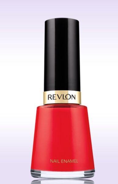 Dai colori vibranti e a lunga tenuta, lo smalto Revlon Nail Enamel (6,90 euro) è protagonista della sfilata Kocca PE 2015 nella nuance Pink Pineapple