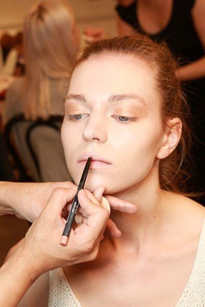 Il make up scelto da Revlon per la collezione Kocca PE 2015 è giocato sui toni del marrone e del rosa