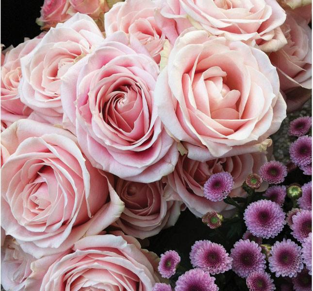 Bouquet di Rose e fiorellini di Bluemilia Flower Studio. Perfetti per il primo anniversario di nozze.