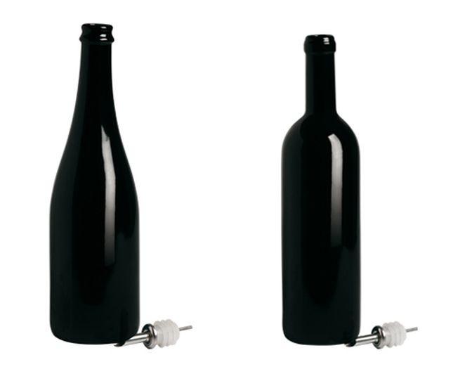 Bottiglie Seletti Estetico Quotidiano Black Edition in porcellana nera. Diametro cm 8,3, altezza cm 29