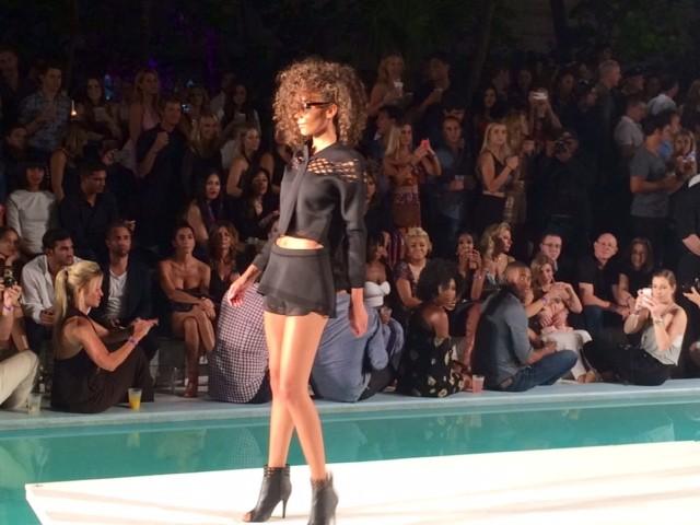 Un modello perfetto per passare dalla piscina ai party più cool di Miami