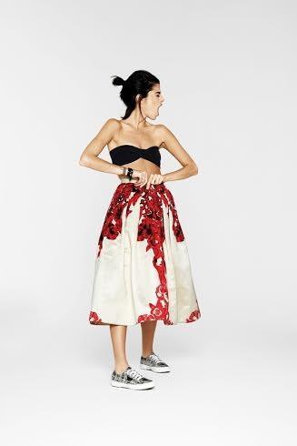 La blogger americana Leandra Medine, crea per Superga una collezione di sneaker per la primavera-estate 2014