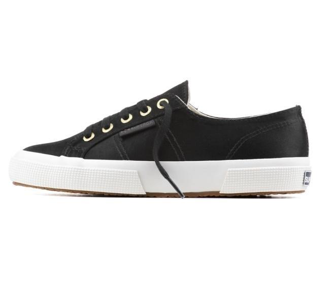 Sneakers The Man Repeller per Superga, modello 2750,  realizzato in satin nel colore nero