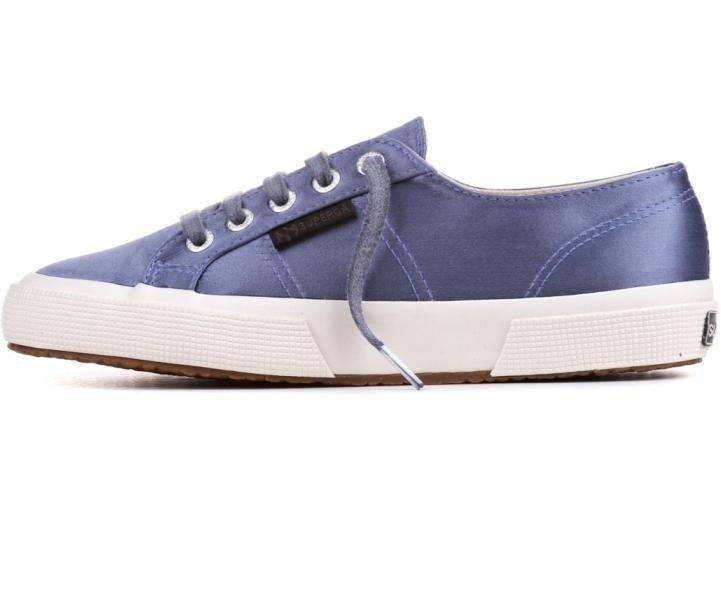 Sneakers The Man Repeller per Superga, modello 2750,  realizzato in tweed nella sfumatura azzurro metallizzato