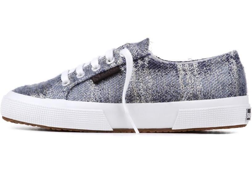 Sneakers The Man Repeller per Superga, modello 2750,  realizzato in tweed nella sfumatura del grigio metallizzato