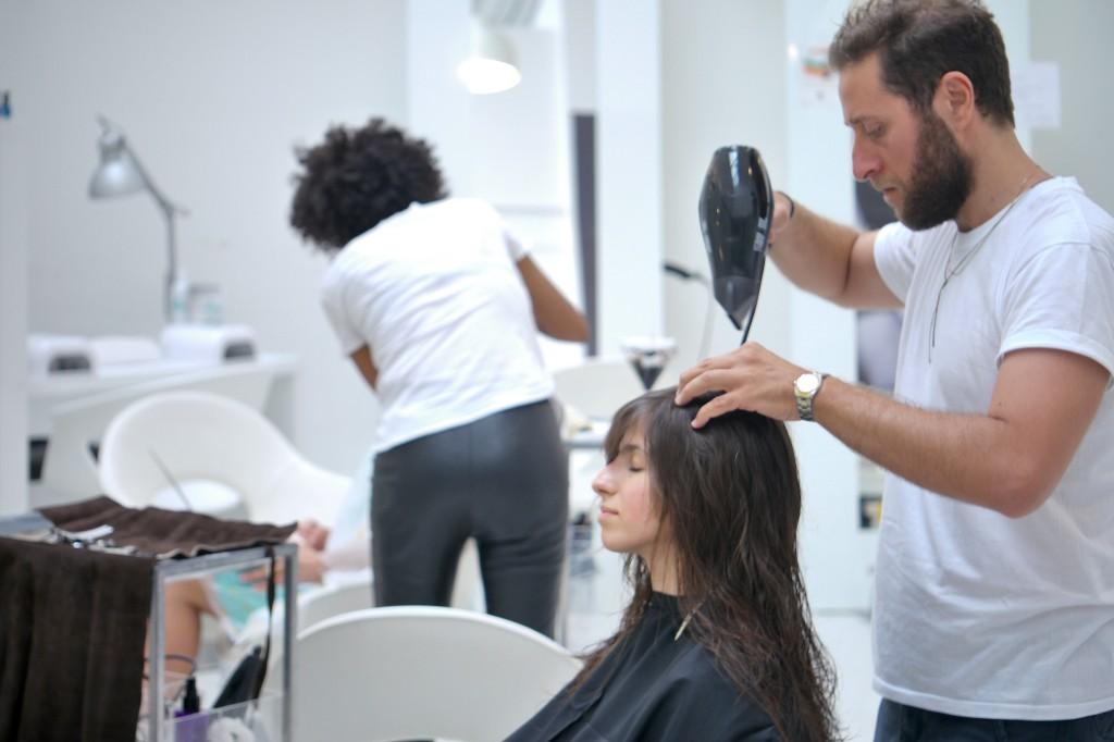 Un taglio versatile e facile da gestire per chi non vuole annoiarsi con i capelli lunghi