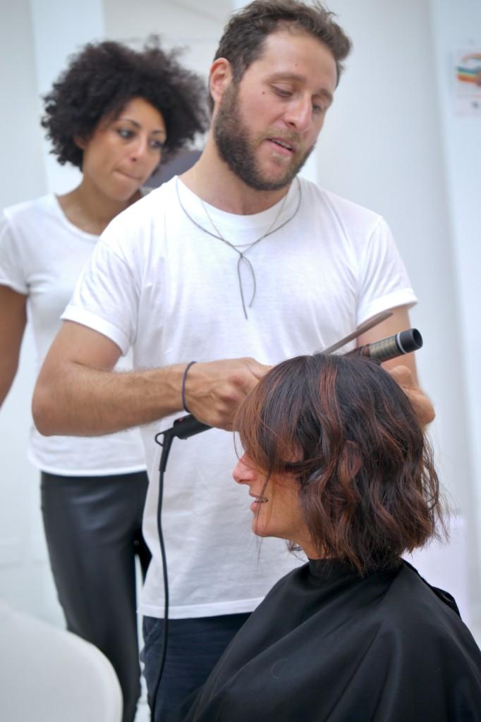 L'hairstyle di Luisa Pisano, direttore di UnaDONNA.it, è semplice e sofisticato e punta tutto su colore e naturalezza