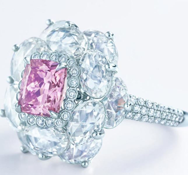 Tiffany anello con diamante raro rosa. Un sogno per pochi!