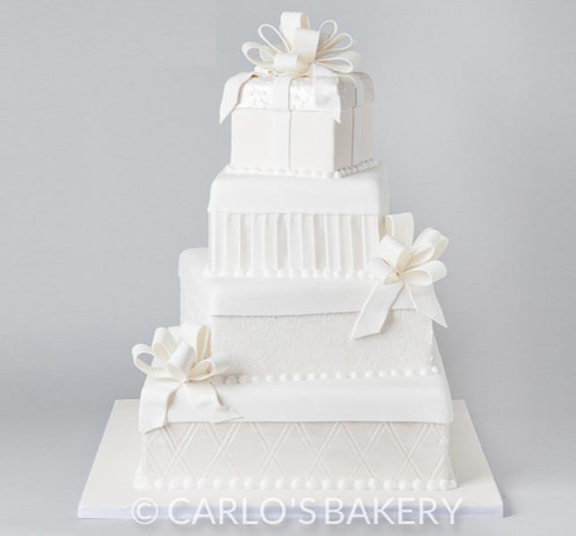 Piani bianchi e decorazioni bianco su bianco per il modello W520 By Carlo's Bakery