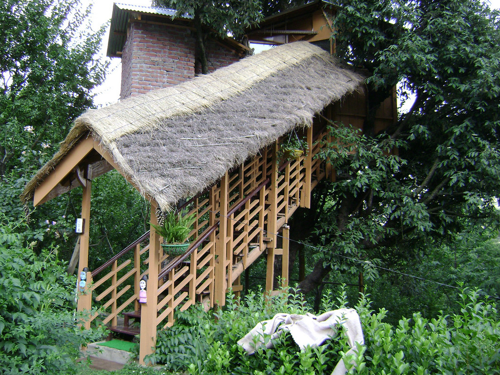 Manali Tree House Cottages, Kullu, India