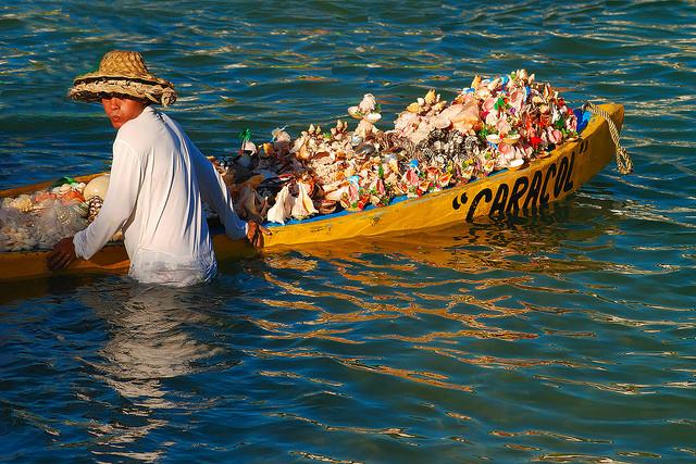 Lungo le spiagge messicane ci si possono incontrare venditori di souvenir alquanto originali