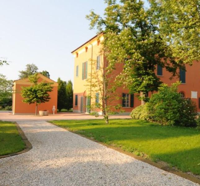 Villa Gandolfo di Bazzano in provincia di Bologna.