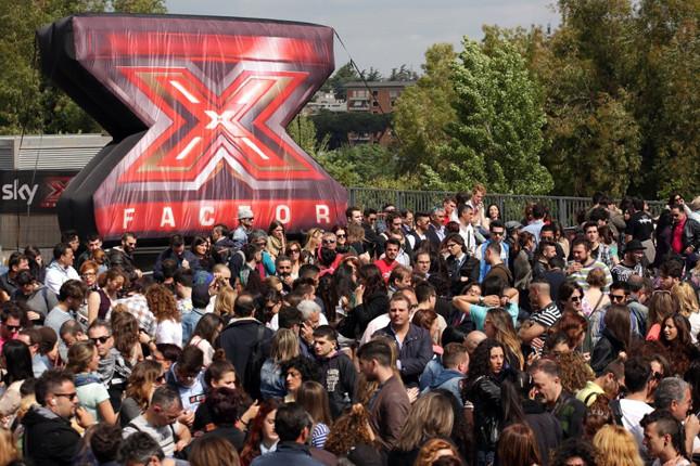 SI sono presentati in tantissimi alle audizioni di XFactor #8, segno che il programma in onda su Sky Uno gode ancora di grande successo