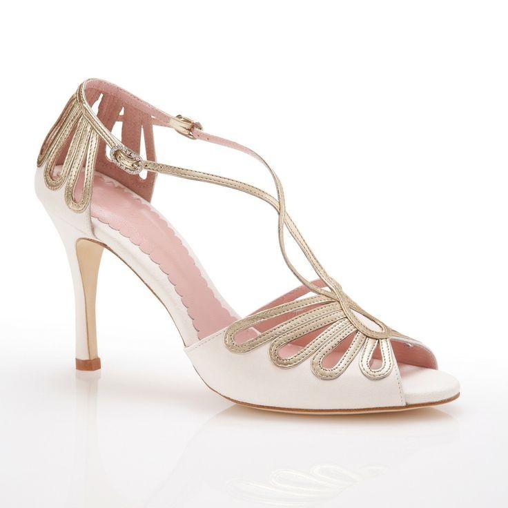 Sandalo bianco e oro con tacco medio