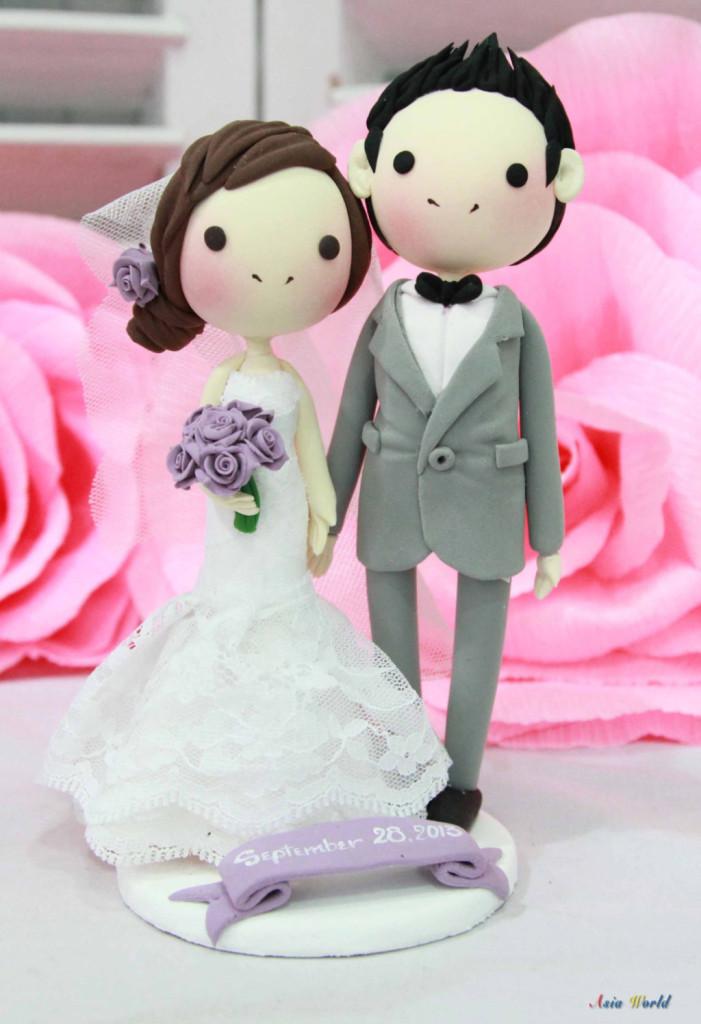 cake topper nuziale con sposa e bouquet lilla foto by etsy