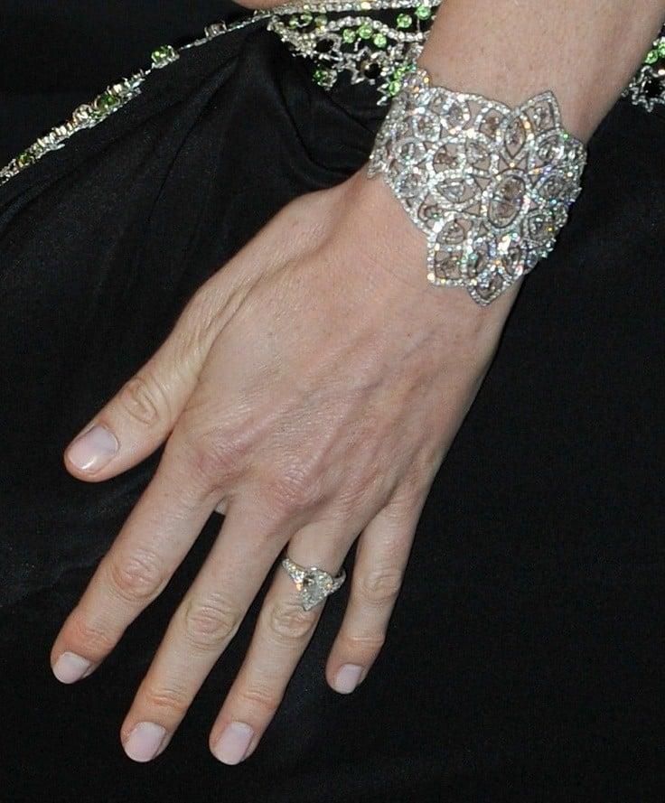 Anello di fidanzamento regalatole dal Principe Alberto di Monaco