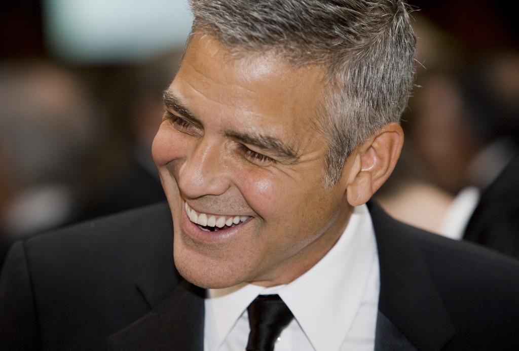 In Love. Il bel George con l'età sembra sempre migliorare...