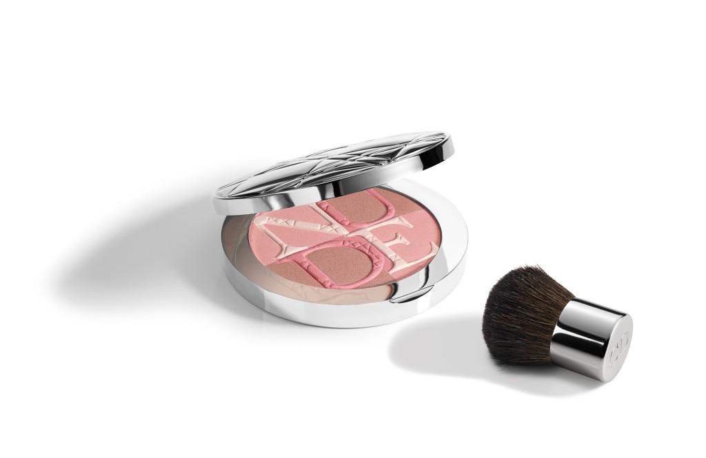 La polvere illuminante Diorskin Nude Shimmer Rose, per un effetto bonne mine