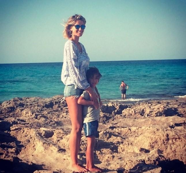Elena Santarelli col figlio Giacomo
