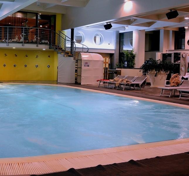 La parte interna della piscina termale viene utilizzata solo a scopi terapeutici