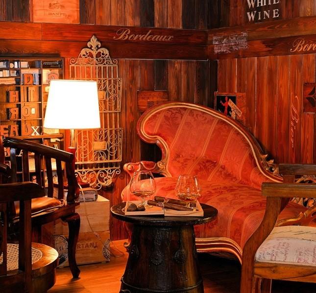 L'hotel ha varie salette relax dove leggere un libro o chiacchierare sorseggiando qualcosa