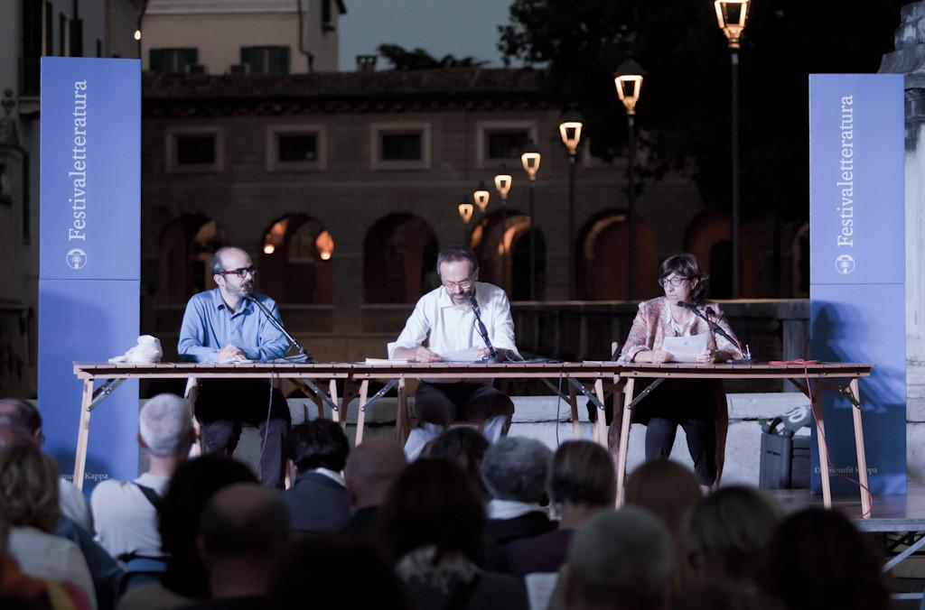Raggiungi i milioni di lettori riuniti a Mantova e incontra i tuoi scrittori preferiti