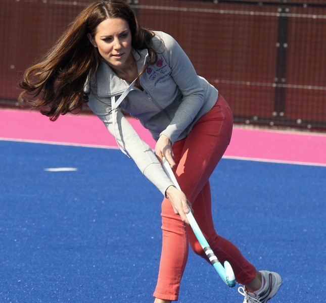 Kate ha iniziato a giocare a hockey all'età di 13 anni e ancora è una delle sue passioni