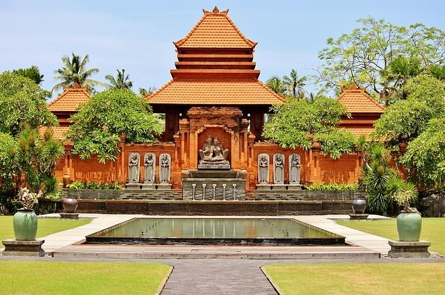 Uno dei numerosi templi induisti presenti a Bali
