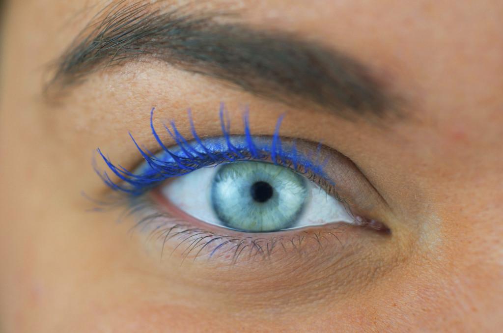 I mascara colorati sono il must dell'estate... provali tutti per accendere il tuo sguardo!