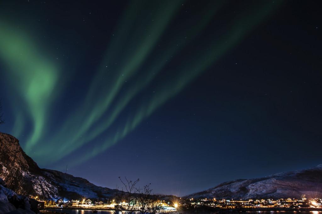 L'aurora boreale sui fiordi norvegesi
