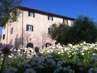 Si chiama ostello della Pace la struttura a conduzione familiare perfetta per ospitare ad Assisi anche coppie  con bambini piccoli