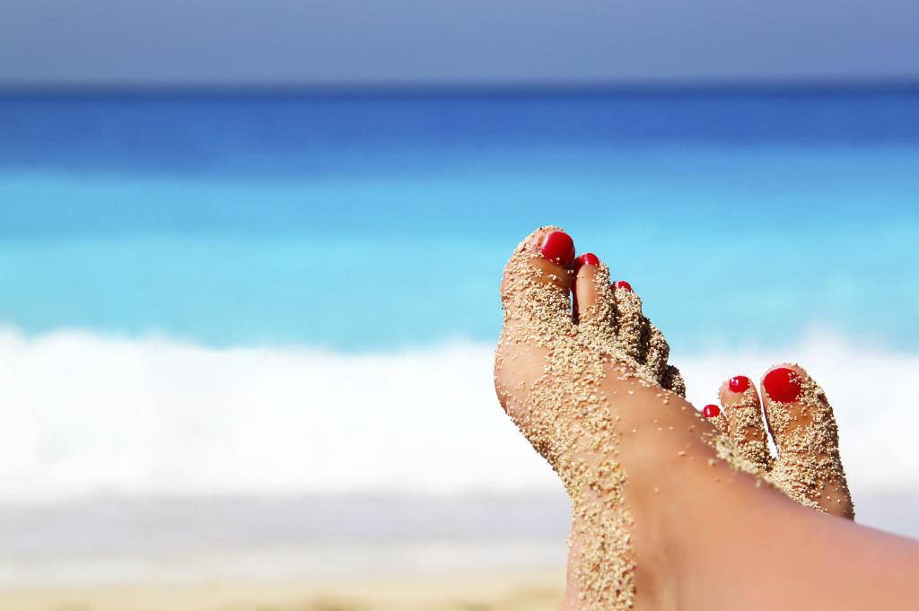 Pedicure a prova di sandalo anche fai da te, basta usare i prodotti giusti