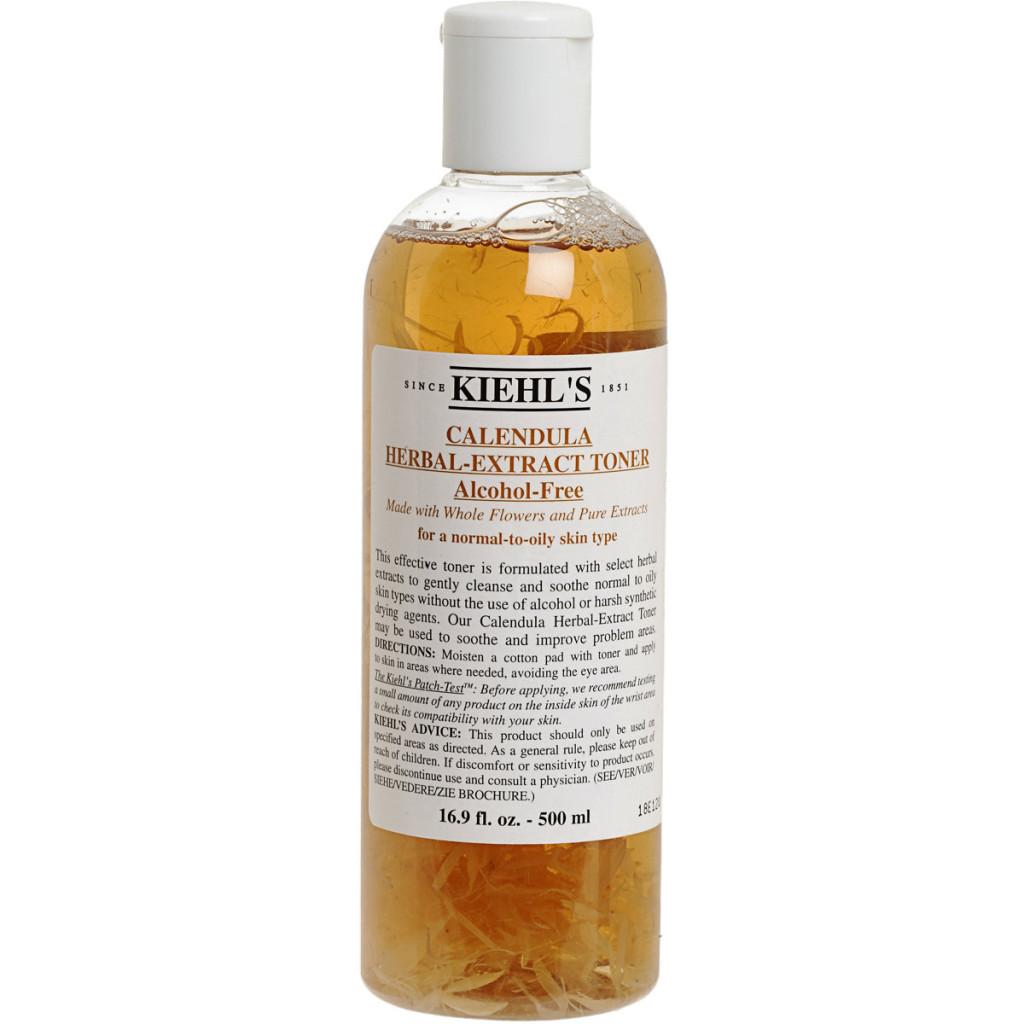 Calendula Herbal Extract Toner formulato senza alcool, rigenera e rinfresca la pelle del viso. Preparato con estratti floreali.