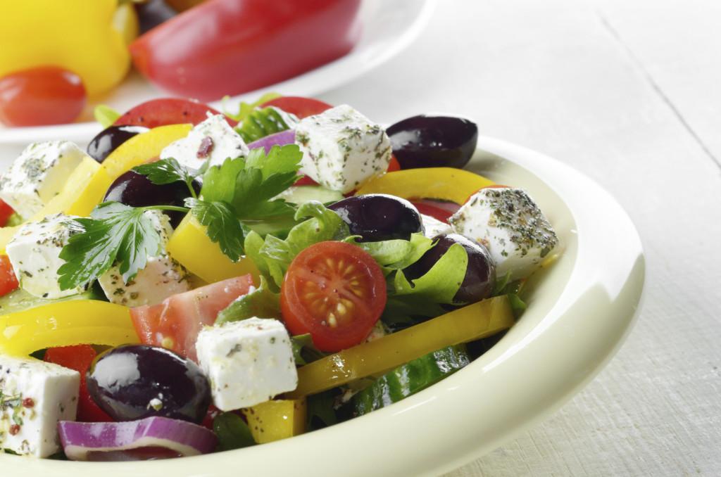 le insalate sono l'ideale per il pranzo di Ferragosto: fresche, leggere e deliziose