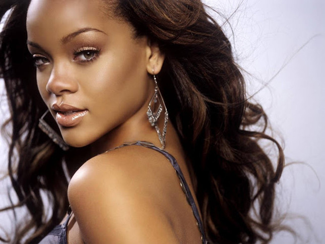 Rihanna è stata costretta a vendere la sua casa a Los Angeles in cambio di un vero affare sulle colline di Hollywood!