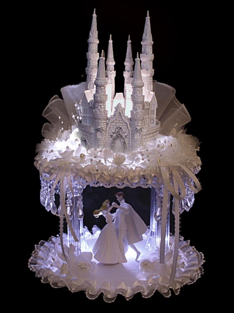 splendido castello fiabesco con sposini che danzano