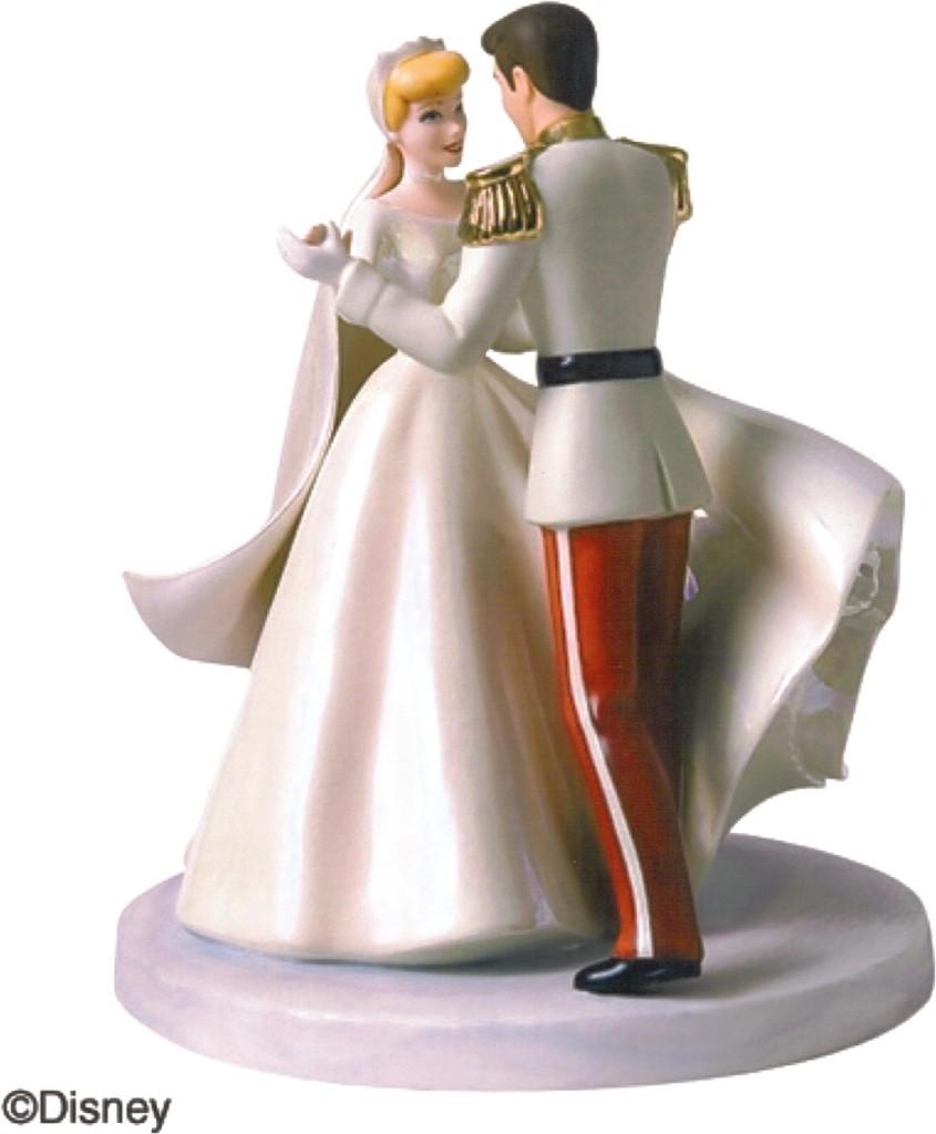 cake topper Cenerentola e il suo principe che danzano