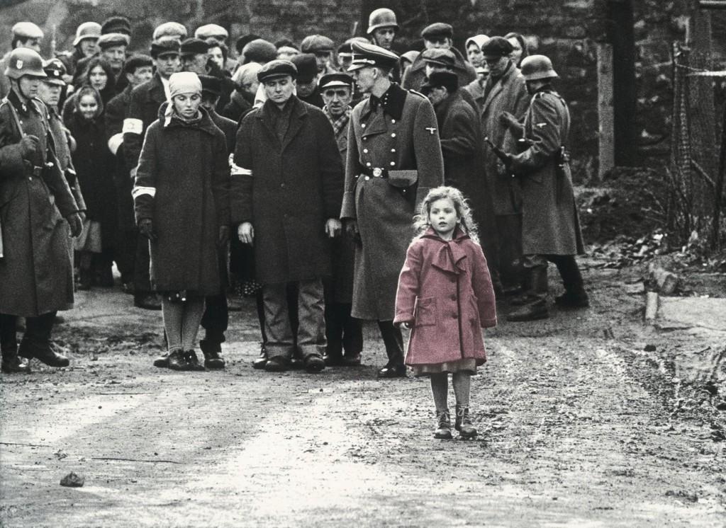La bambina col cappotto rosso, l'emblema del film