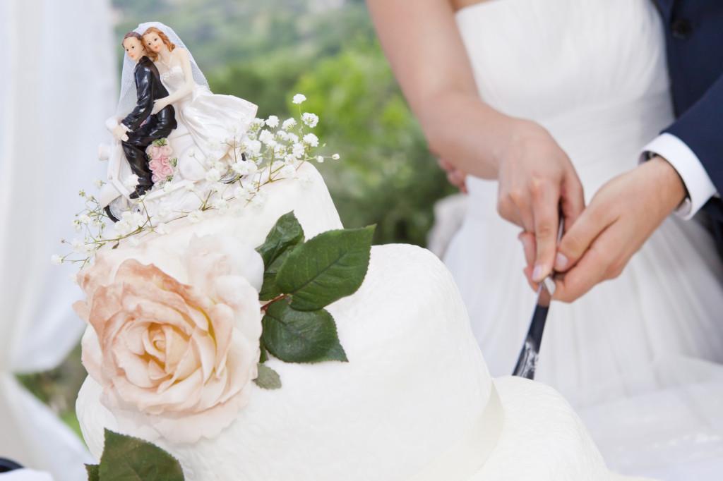 la torta è un elemento fondamentale per la buona riuscita di un matrimonio