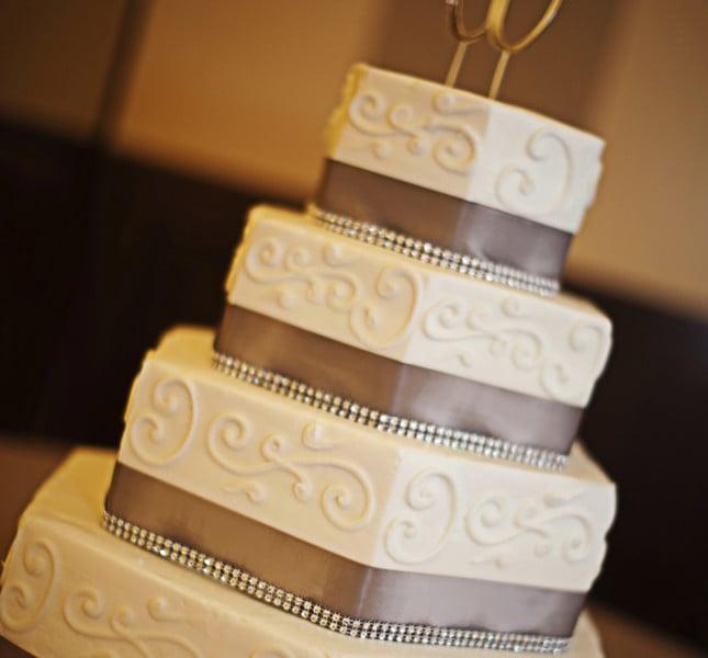 Se il quadrato non è abbastanza, optate per una torta sqaudrata ma esagonale!