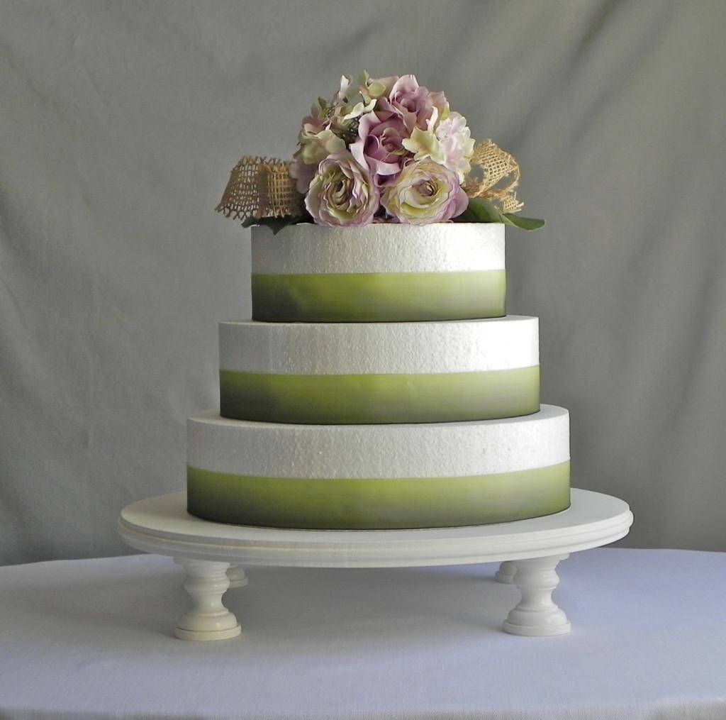 torta nuziale toni pastello E. Isabella Designs foto by etsy